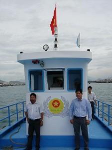 Chủ nhân của tàu Kiểm Lâm Cà Mau (Giám đốc và Hạt trưởng
