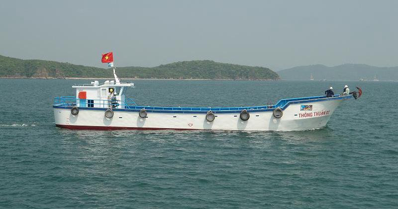 Tàu đang hoạt động ở chế độ toàn tải (100 tấn)
